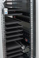 BSregál pro 14 tabletů, 14x230V, Wi-Fi, přídavná kolečka